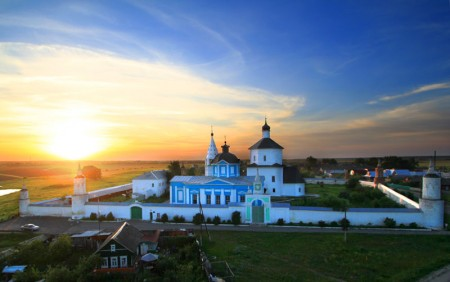 Вера, Чаяние, Любовь.  Бобренев монастырь (2018)
