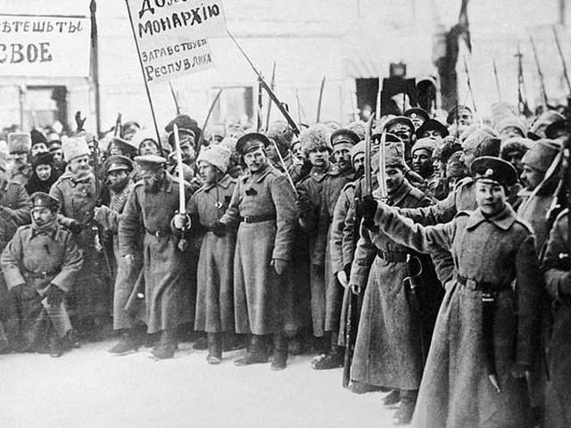 Большевики и «февралисты»