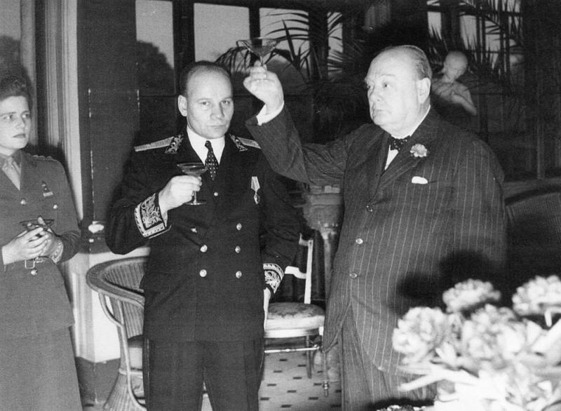 Противостояние премьер-министра Великобритании и советского посла в Лондоне