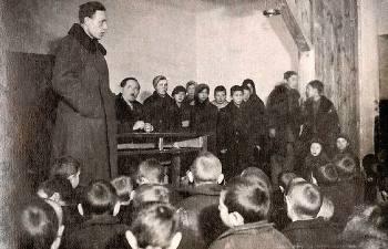 Как популярный педагог Макаренко справлялся с малолетними бандитами, и За что его отстраняли от руководства колонией