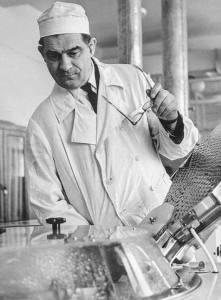 Как вирусолог Михаил Чумаков избавил человечество от полиомиелита