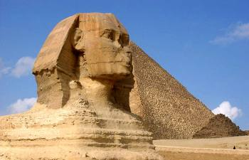 Кто и зачем отколол носы египетским статуям