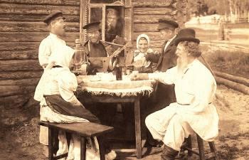 Отчего сибиряки пили чай с полотенцем и другие российские чайные традиции