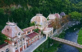 Отчего обратился в «заброшку» курорт в Богемии, где 2000 лет назад отдыхала элита Римской империи: «Святые воды Геркулеса»